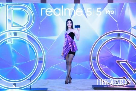 เรียลมี ชวนคนรุ่นใหม่เปิดประสบการณ์นอกกรอบ เปิดตัวสมาร์ทโฟนรุ่นใหม่ 'realme 5'  และ 'realme 5 Pro'