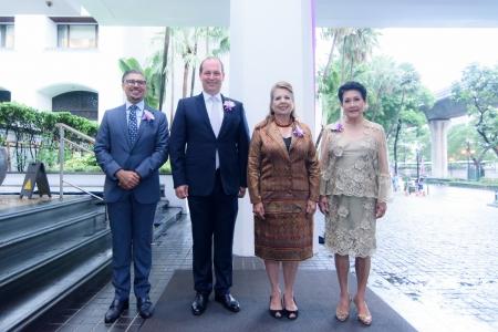 'เวิลด์ กูร์เมต์ เฟสติวัล ครั้งที่ 20' ร่วมบริจาคสมทบทุน กองทุนพระเจ้าวรวงศ์เธอฯ กรมหมื่นสุทธนารีนาถ เพื่อช่วยลดการติดเอดส์ สภากาชาดไทย