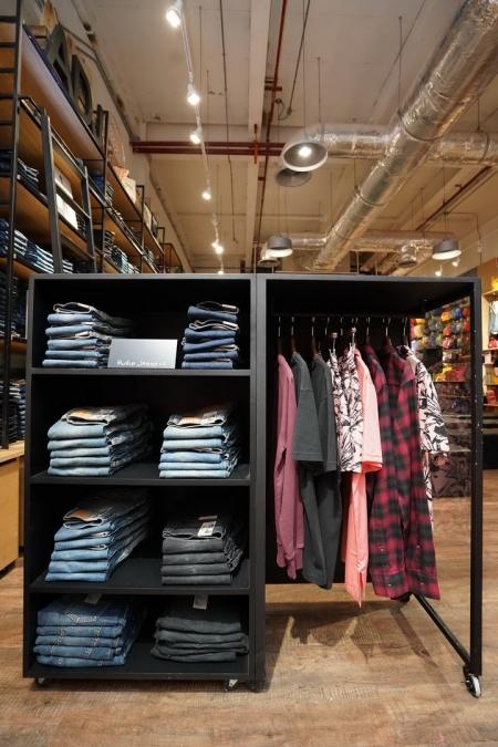 Nudie Jeans 100% Organic Denim แบรนด์กางเกงยีนส์ออร์แกนิก ที่เป็นมิตรกับสิ่งแวดล้อม