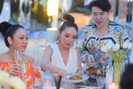 PARTY VISIT 'LEON MODE'