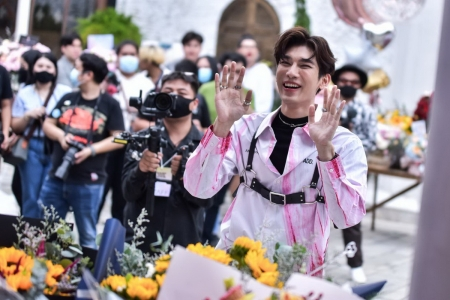 GLOBAL PRESS CONFERENCE MEW SUPPASIT FIRST SINGLE 'SEASON OF YOU'