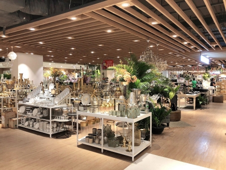 เปิดแล้ว! ห้างเซ็นทรัล อุดรธานี เฟสแรก ขนทัพสินค้ามากมายกว่า 1,000 แบรนด์ เพื่อการช้อปปิ้งอย่างไร้รอยต่อ
