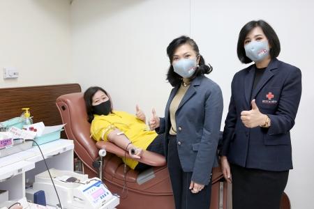 กลุ่มเซ็นทรัล ร่วมกับ สภากาชาดไทย จัดกิจกรรม 'Blood Hero ภูมิใจในสายเลือดฮีโร่'