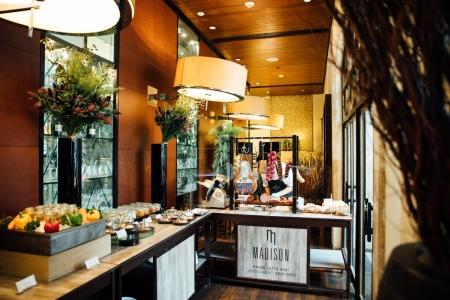 แชมเปญซันเดย์บรันช์ ที่โรงแรมอนันตรา สยาม กรุงเทพ กับร้านสตรีทฟู้ดมิชลินไกด์รับเชิญ