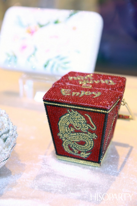 HISOPARTY X BEAUTY GEMS  ชวนเหล่าเซเลบริตี้สัมผัสความงดงามจากอัญมณีและกระเป๋าจูดิธ เลเบอร์  คอลเลกชั่นล่าสุด ในงาน White Christmas