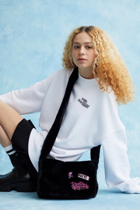 H&M และซีรี่ส์ Sex Education จาก Netflix ร่วมรังสรรค์คอลเลกชั่นจากแรงบันดาลใจในการเริ่มต้นเทอมใหม่